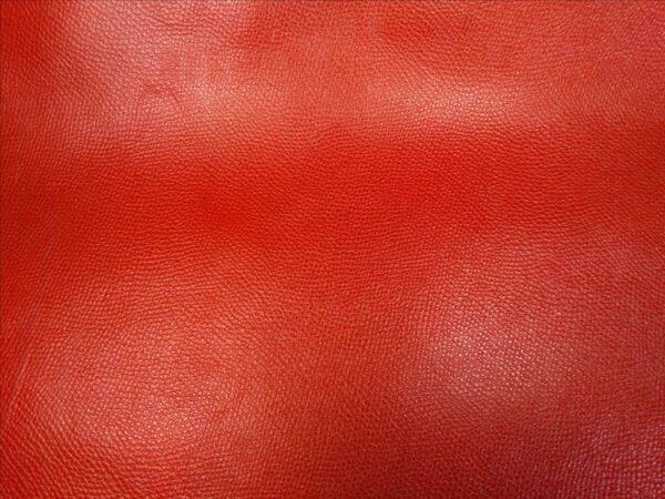rouge grenelé